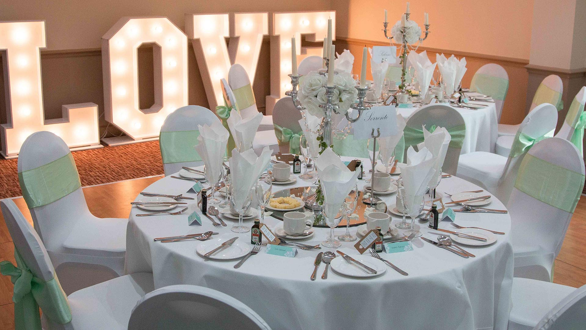 Weddings best western manchester altrincham cresta court for Hotel wedding decor