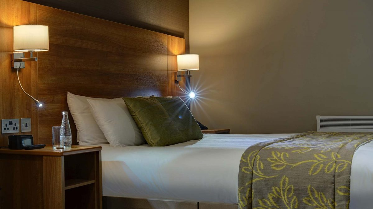 Hotels in Manchester Best Western Manchester Cresta Court Hotel Bedrooms 2