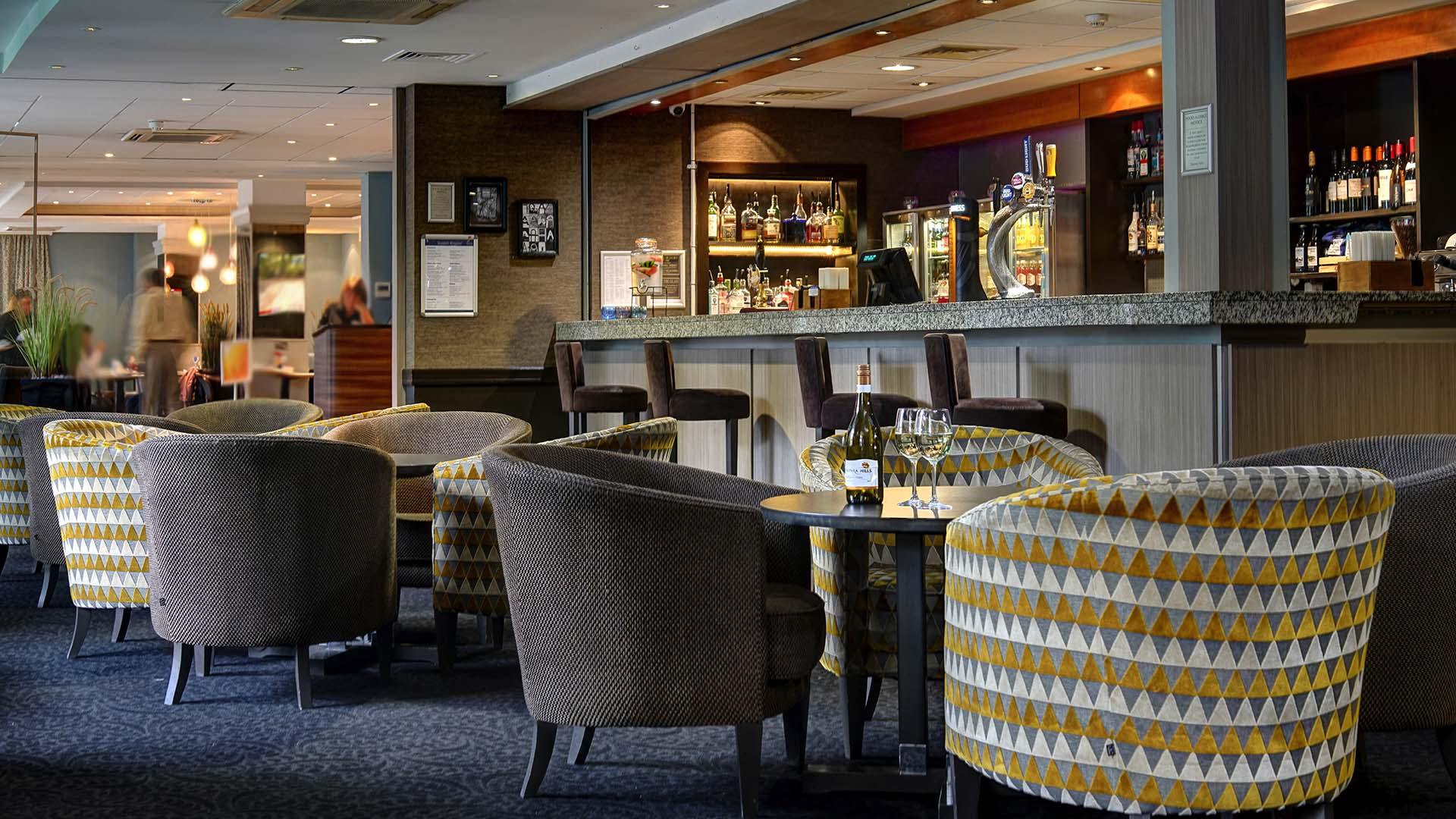 Restaurants in Manchester Best Western Manchester Cresta Court Hotel Townfields lounge Bar 1