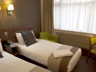 Hotels in Manchester Best Western Manchester Cresta Court Hotel Twin Bedrooms 3